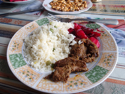 Almuerzos second course is typically a protein, carb and vegetable.
